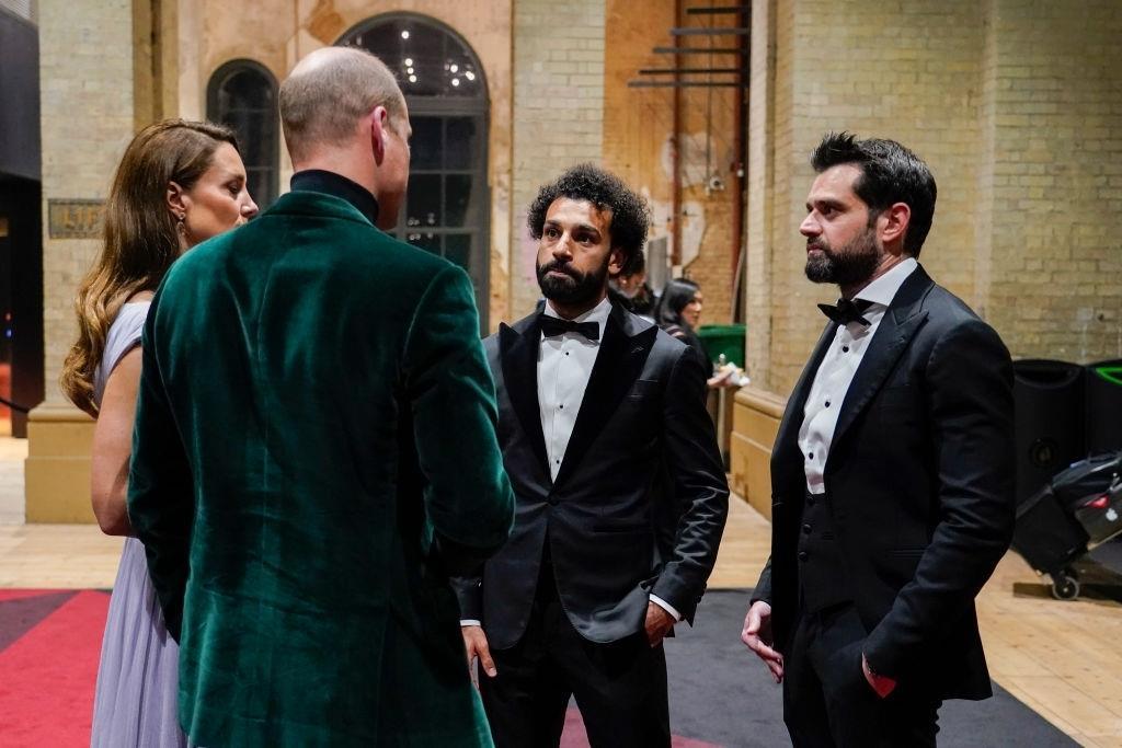 الصحافة البريطانية تثير الاهتمام بشأن اللقاء بين الأمير وليام والمصري محمد صلاح